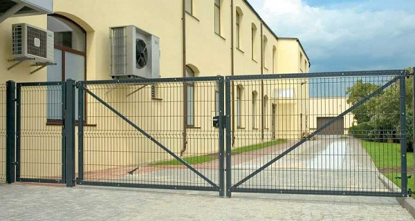 Ворота распашные оц. высота створки от 1,23 м до 2,4 м, ширина от 2,5 м до 6,0 м